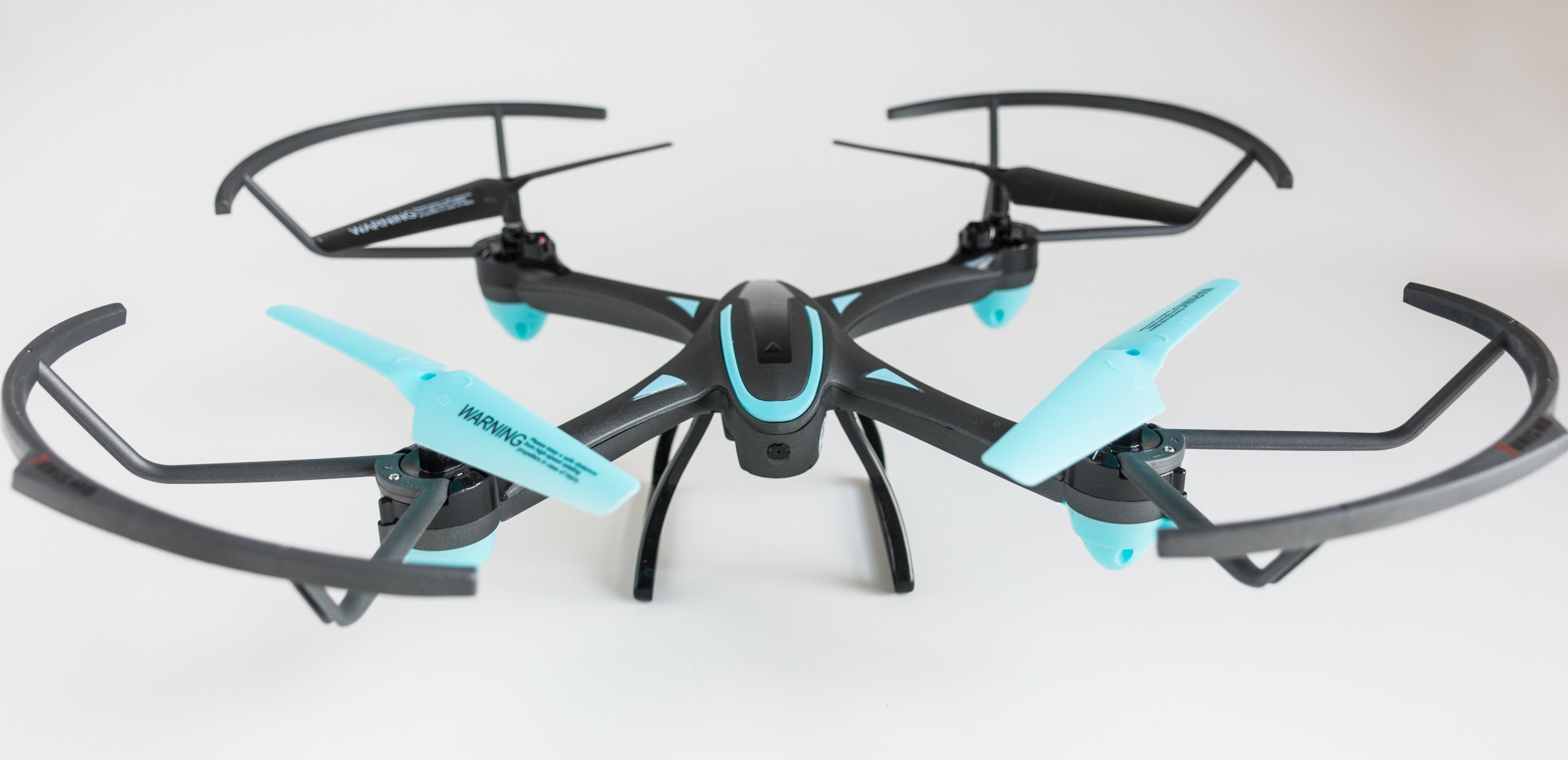 Drona FX16 Quadcopter cu camera video HD